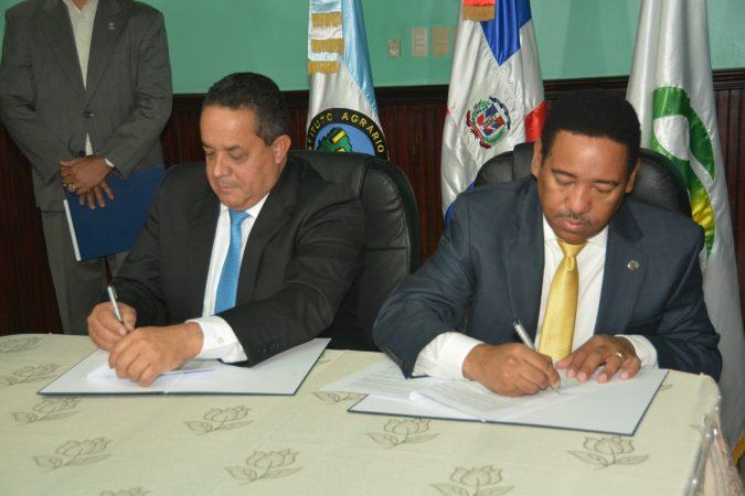 IAD y Comedores económicos firman acuerdo – Instituto Agrario Dominicano
